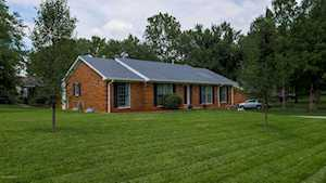 8601 Chipstone Ct Louisville, KY 40299