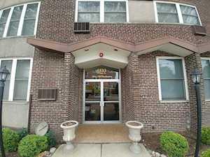 1333 W Touhy Ave #303 Park Ridge, IL 60068