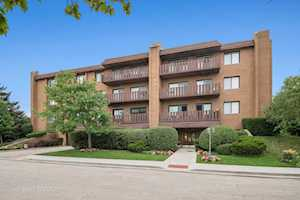 1795 Lake Cook Rd #105 Highland Park, IL 60035