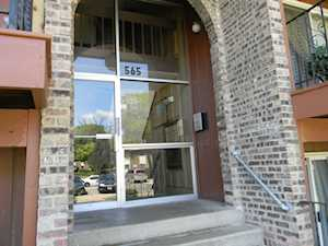 565 Hill Dr #101 Hoffman Estates, IL 60169