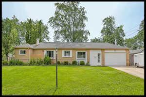 725 Ash Rd Hoffman Estates, IL 60169