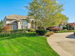 205 Saint Michael Ct Oak Brook, IL 60523