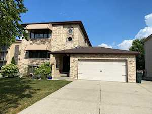 8841 N Chester Ave Niles, IL 60714