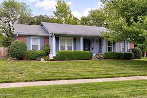 709 Farmingham Louisville, KY 40243