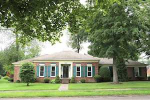 1207 Hogarth Dr Louisville, KY 40222