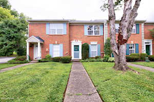 2731 Langdon Dr Louisville, KY 40241
