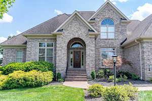 12501 Grand Oak Ct Louisville, KY 40299