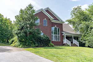 701 Oak Wood Ln Leitchfield, KY 42754