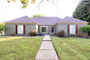 10208 Windrow Ct Louisville, KY 40223