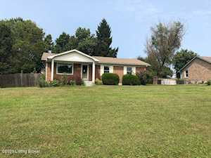 360 Circle Dr Shepherdsville, KY 40165