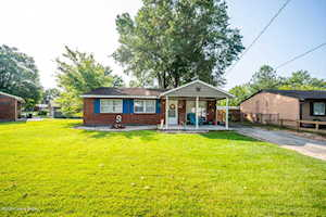 720 Glengarry Dr Fairdale, KY 40118