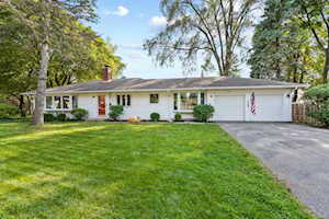 527 W Rockland Rd Libertyville, IL 60048