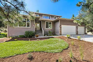 2955 NW Lucus Ct Bend, OR 97703
