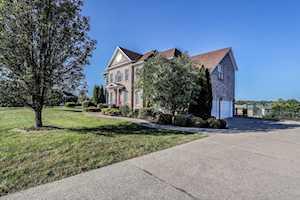 3907 Clarke Pointe Ct Crestwood, KY 40014