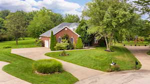 8401 Mary Ct Crestwood, KY 40014