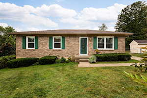 3904 Marie Ct Crestwood, KY 40014