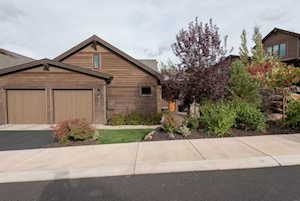 61338 Triple Knot Rd Bend, OR 97702