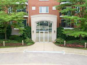 351 Town Place Circle #302 Buffalo Grove, IL 60089