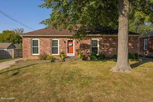 9203 Willowwood Way Jeffersontown, KY 40299