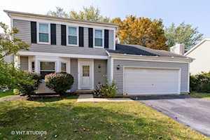 324 Richard Ct Vernon Hills, IL 60061