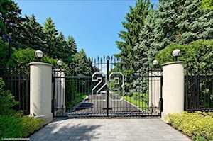 2700 Point Ln Highland Park, IL 60035