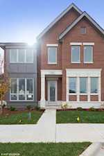 1275 Gateway Ct Northbrook, IL 60062