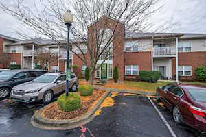 9400 Magnolia Ridge Dr #202 Louisville, KY 40291