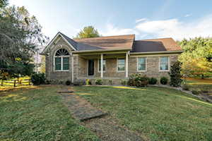 50 Meadow Lake Dr Taylorsville, KY 40071