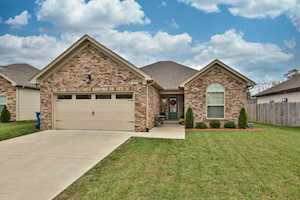 312 Bridlewood Ave Shelbyville, KY 40065