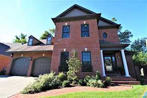 1426 Mockingbird Valley Green Louisville, KY 40207
