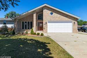 9720 Lorraine Dr Countryside, IL 60525