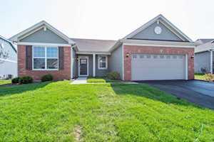 1091 Oak Bluff Rd Crystal Lake, IL 60012