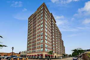 77 S Evergreen Ave #1001 Arlington Heights, IL 60005