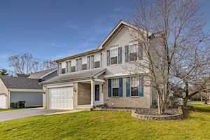 412 Fallbrook Dr East Dundee, IL 60118