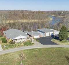 2908 Cannons Point Ln Mcdaniels, KY 40152