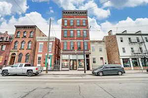 1408 Elm Street Cincinnati, OH 45202