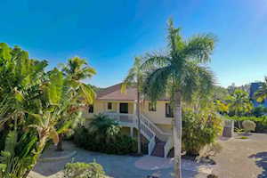 2464 Blind Pass Ct Sanibel, FL 33957