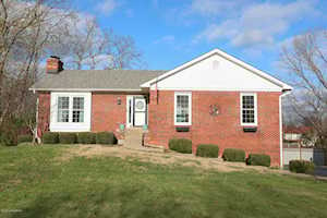 7604 Commonwealth Dr Crestwood, KY 40014