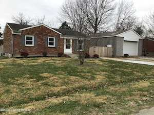 111 Teaberry Ct Louisville, KY 40229
