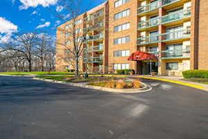 1840 Huntington Blvd #310 Hoffman Estates, IL 60169