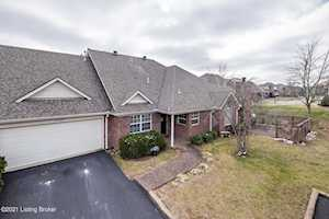 10100 Leaning Tree Ct Louisville, KY 40291