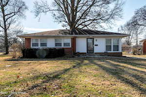 3624 E Indian Trail Louisville, KY 40213