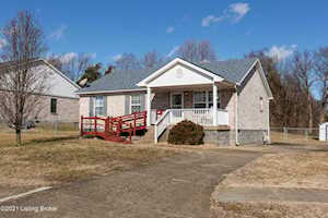 8803 Temperate Ct Louisville, KY 40229