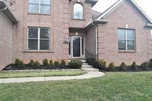 1305 Moultrie Court Lexington, KY 40513