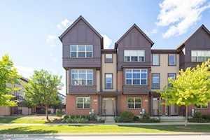 323 Aspen Pointe Rd Vernon Hills, IL 60061