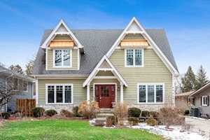 4927 Stonewall Ave Downers Grove, IL 60515