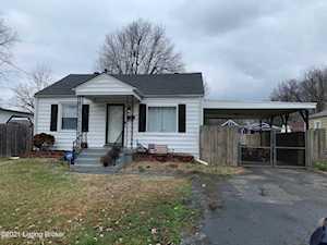 2121 West Ln Louisville, KY 40216