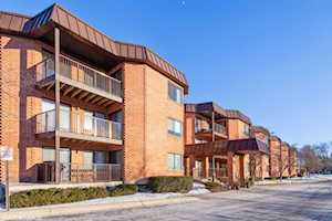 6401 Clarendon Hills Rd #118 Willowbrook, IL 60527
