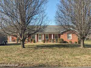 108 Eastview Dr Bardstown, KY 40004