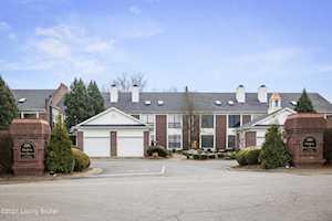 1267 Parkway Gardens #93 Louisville, KY 40217